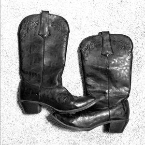 Black boots women's size 7.5